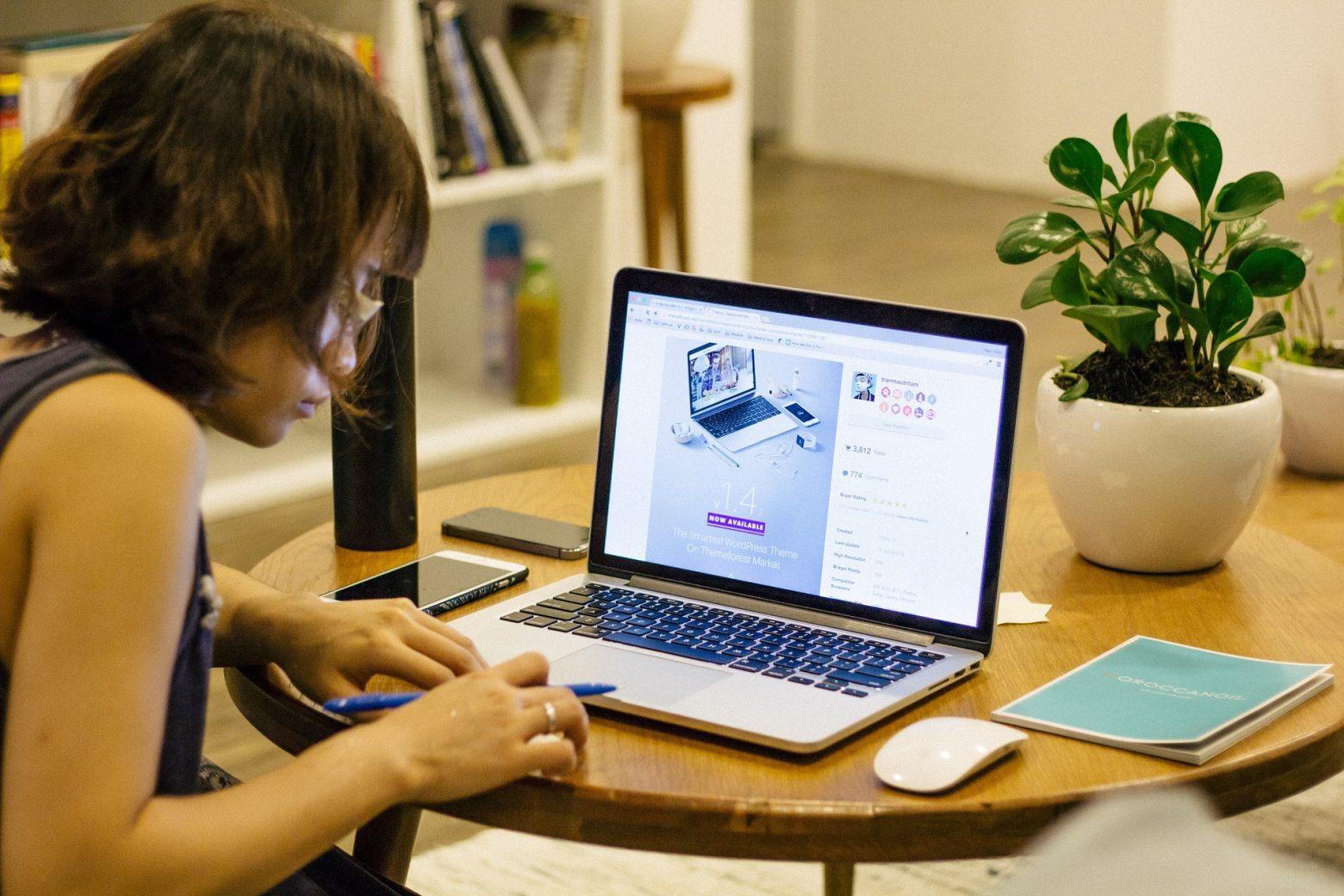 Home Office Lucrativo: Trabalhe para multinacionais sem sair de casa e ganhando em dólar?